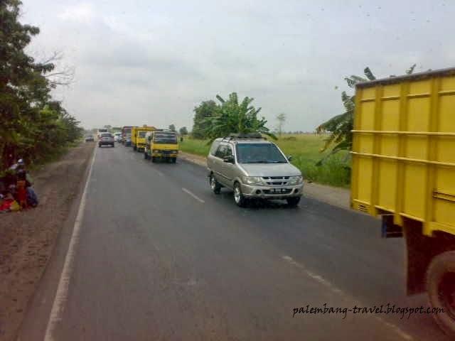 Mobil Truk Angkut Batubara