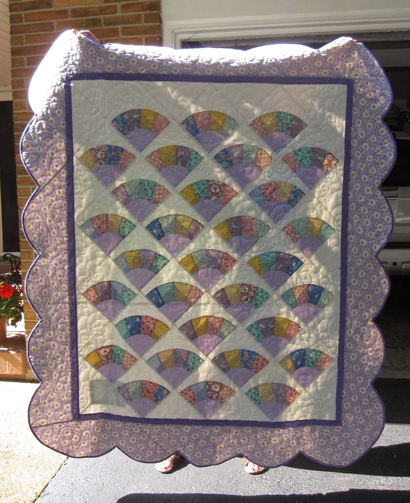 Quilt Pattern For Grandmother S Fan : Quiltsmart: Brag Post- Quiltsmart Grandma s Fan