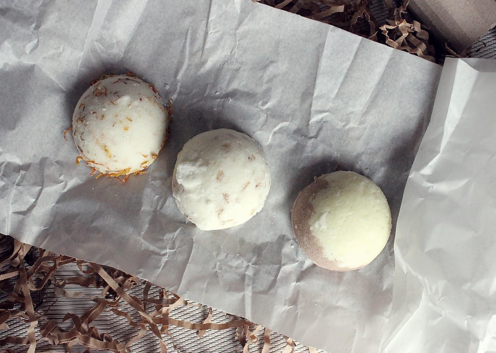 Musujące kule do kąpieli - Czekolada, Nagietek, Mleko Miód Owies - Ministerstwo Dobrego Mydła