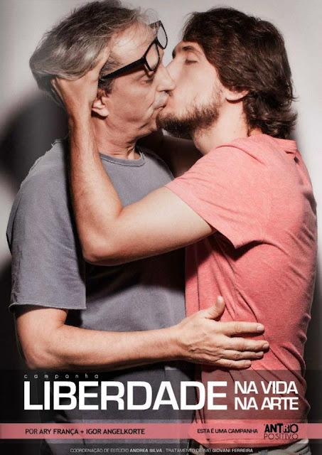 Beijo Gay revista Antro Positivo