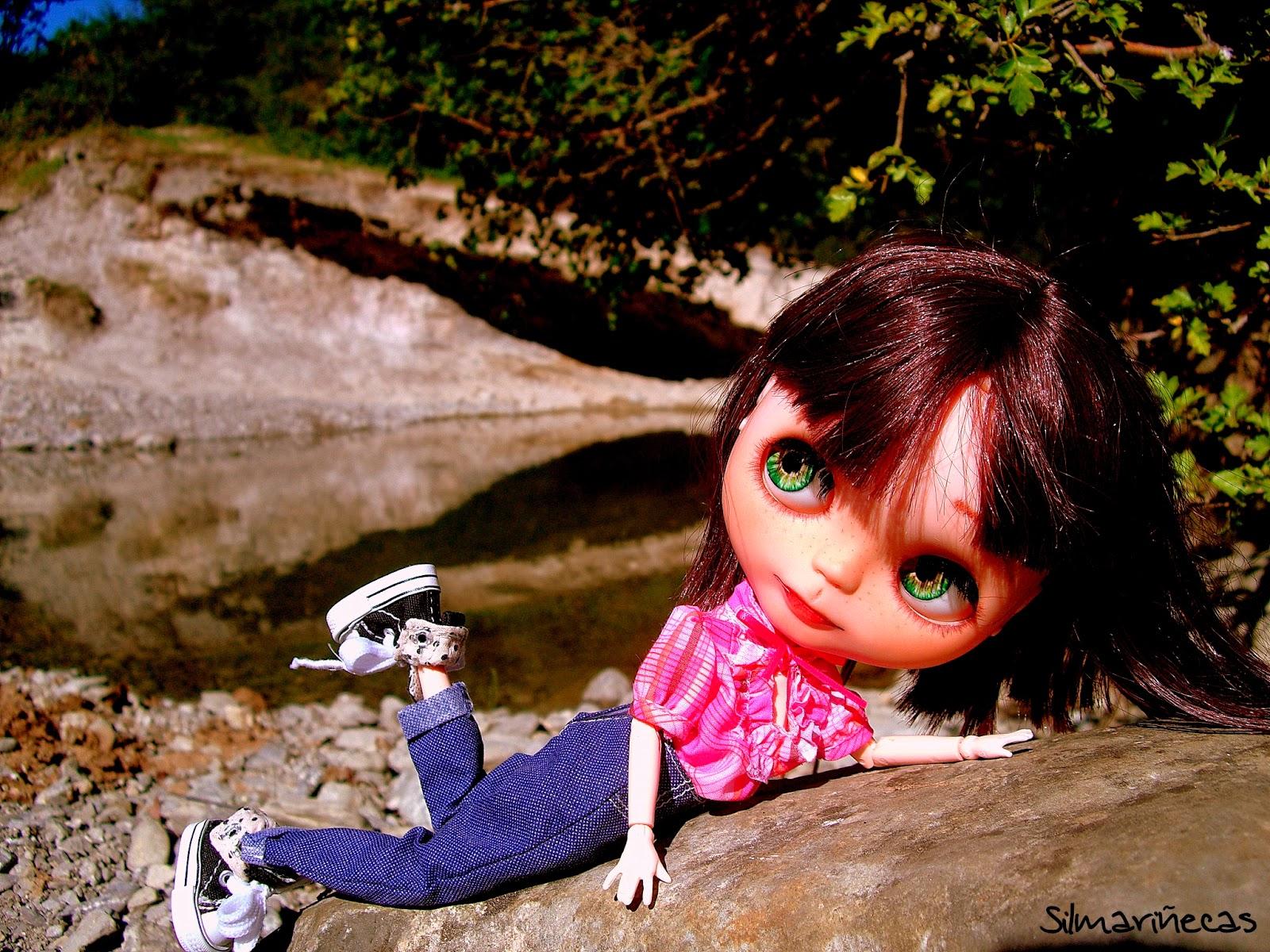 Basaak doll en delika
