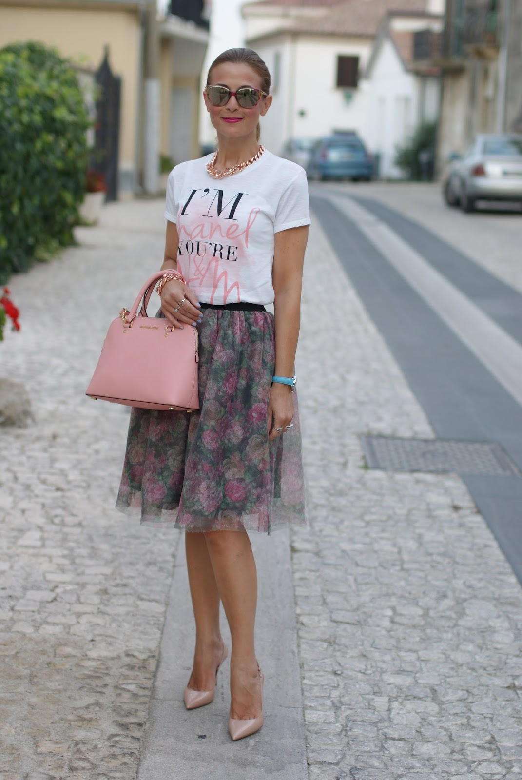 Walktrendy floral tulle skirt for a pink romantic outfit on Fashion and Cookies fashion blog