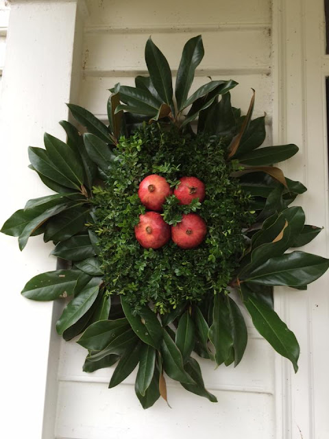 williamsburg wreath pomegranate
