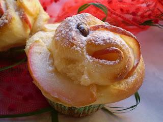 roselline di brioche con mele