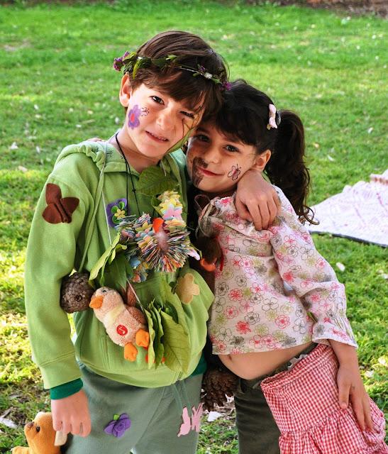 Half-boy-half-girl costume and nature costume