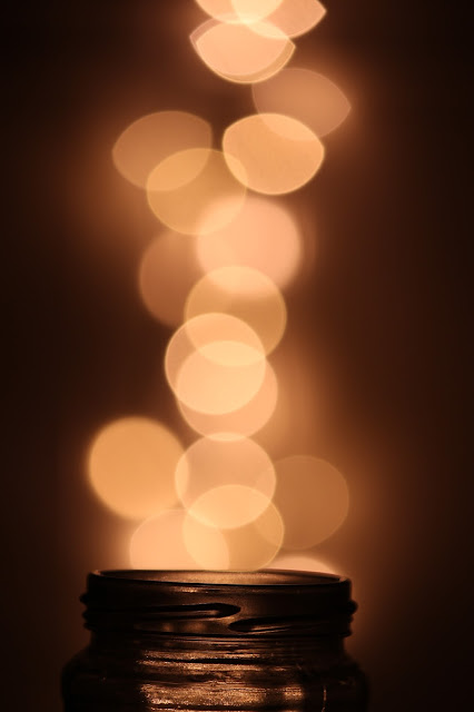 Christmas light bokeh photography tutorial easy glass jar pintrest