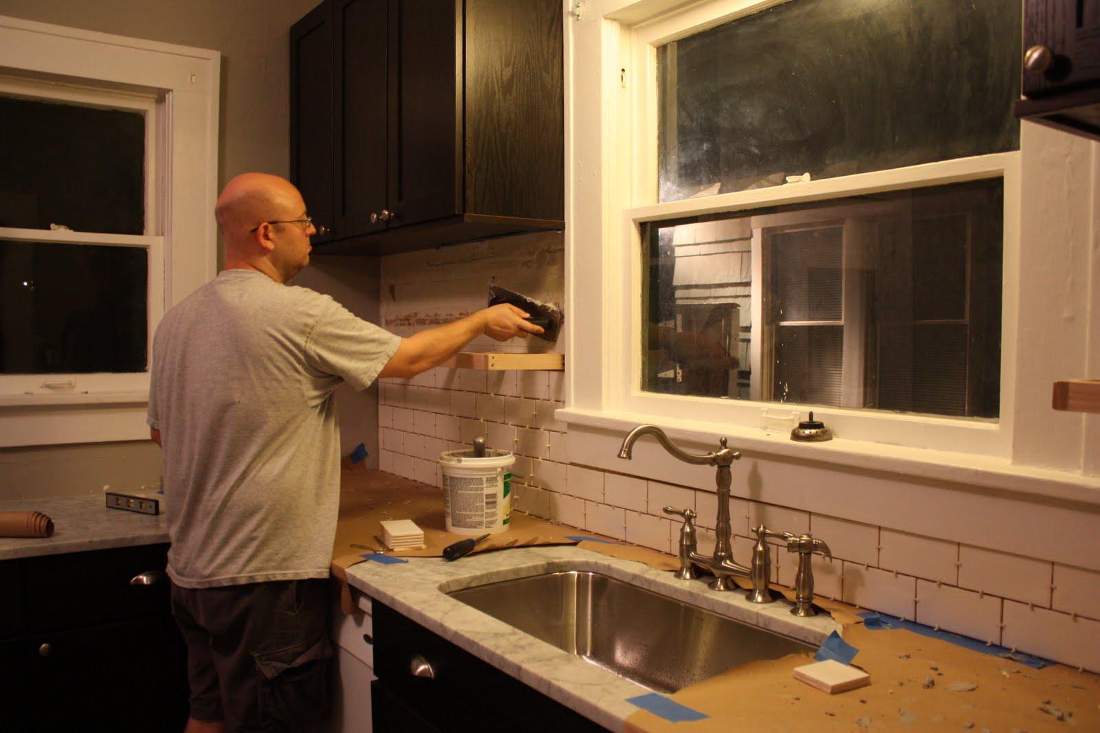 sixtwelvesixteenth: Kitchen Backsplash