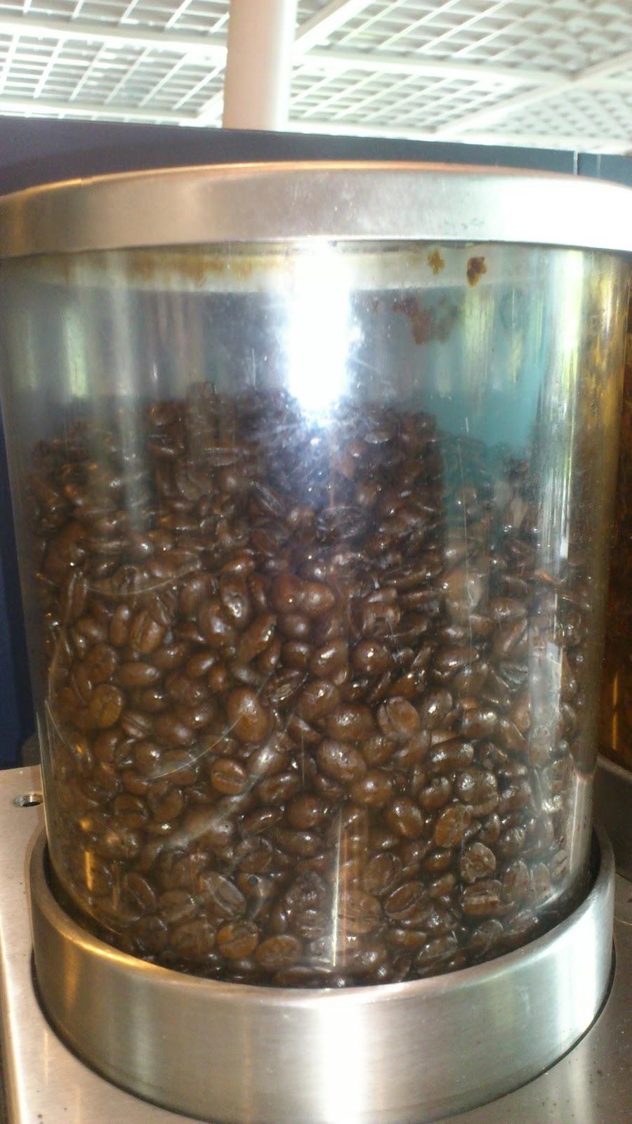 Le ristretto caf le blog le cacaf chez ikea - Les commodes chez ikea ...