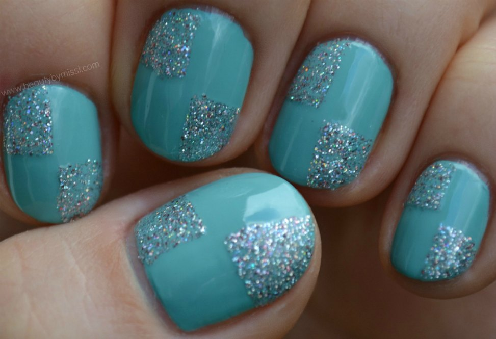 glitter nails, notd, nails of the day, mint green