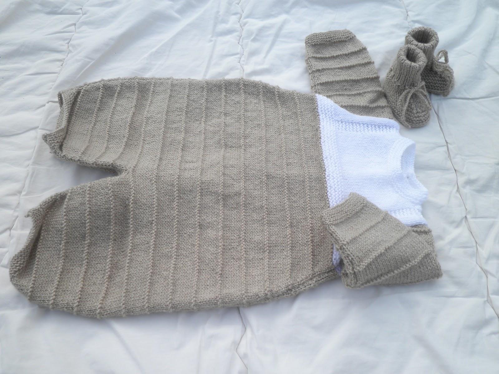 tricot et compagnie une combinaison b b. Black Bedroom Furniture Sets. Home Design Ideas