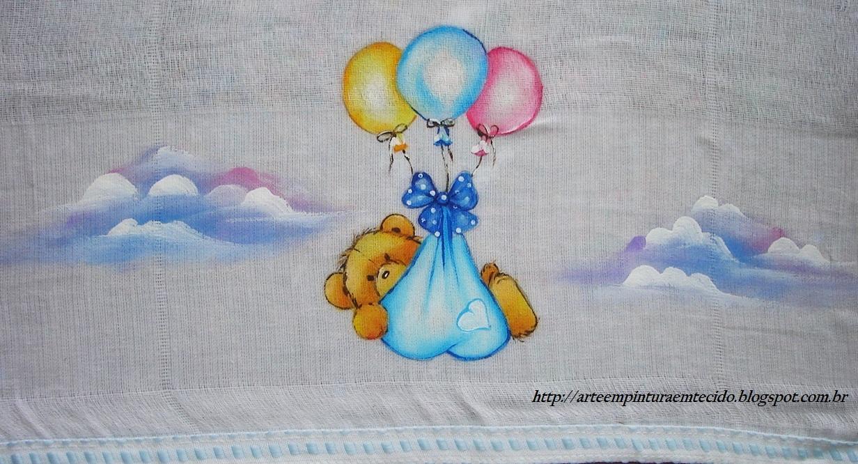 Fralda infantil pintada a mão Ursinho no céu.