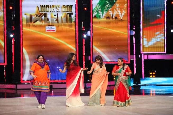 http://2.bp.blogspot.com/-wJwau7rDRYI/UxtUa451UBI/AAAAAAABruI/Nv-oJ0ctdTs/s1600/Madhuri+&+Juhi+Chawla+promotes++Gulab+Gang+on+India%27s+Got+Talent+Finale+(12).jpg