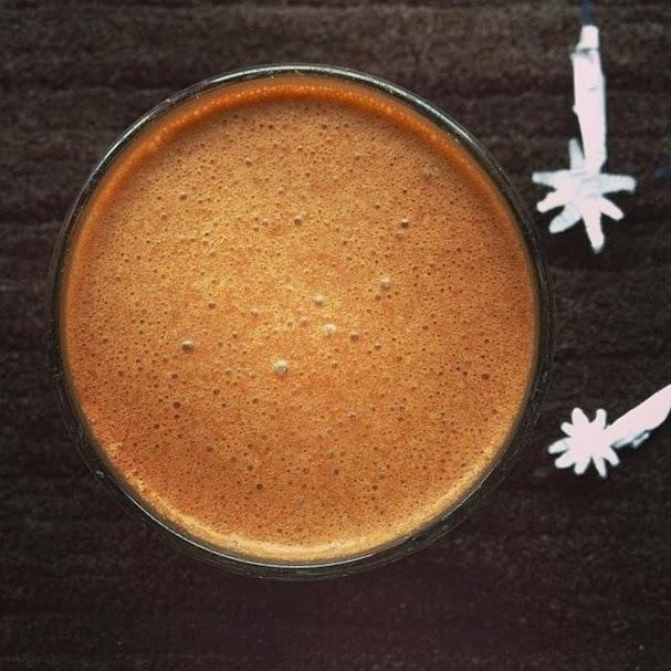 http://zielonekoktajle.blogspot.com/2014/01/banan-mleko-kokosowe-espresso-kokos.html