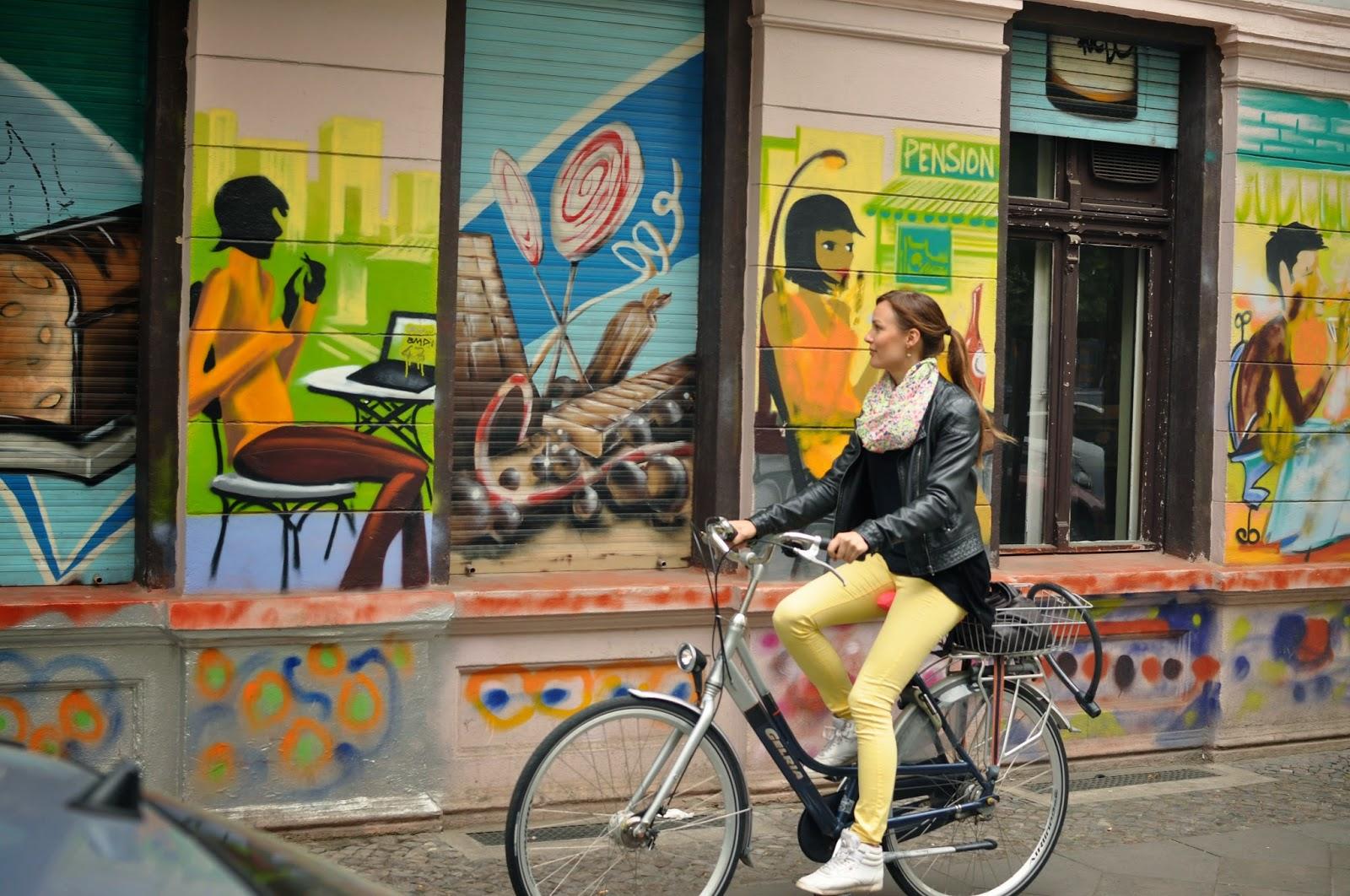 Berliinissä on kiva pyöräillä paikasta paikkaan.