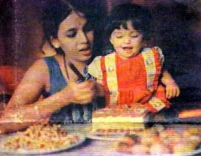 Aishwarya  Baby on Aishwarya Rai Baby And Childhood Pictures     Playing As A Baby