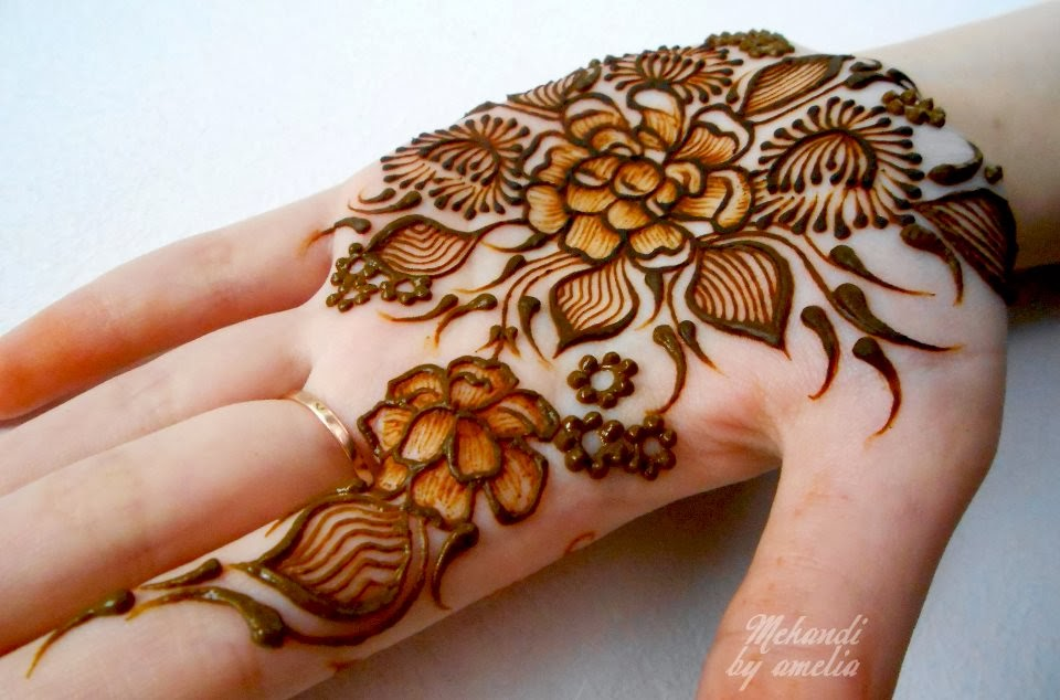 Beautiful Party Mehndi Designs : Party mehndi designs henna