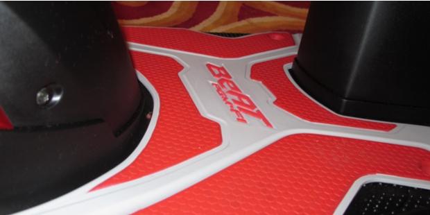 Paket aksesori, terdiri dari tiga bagian tutup knalpot, karpet  title=