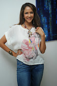 Lakshmi Manchu Latest Stylish Photos-thumbnail-12