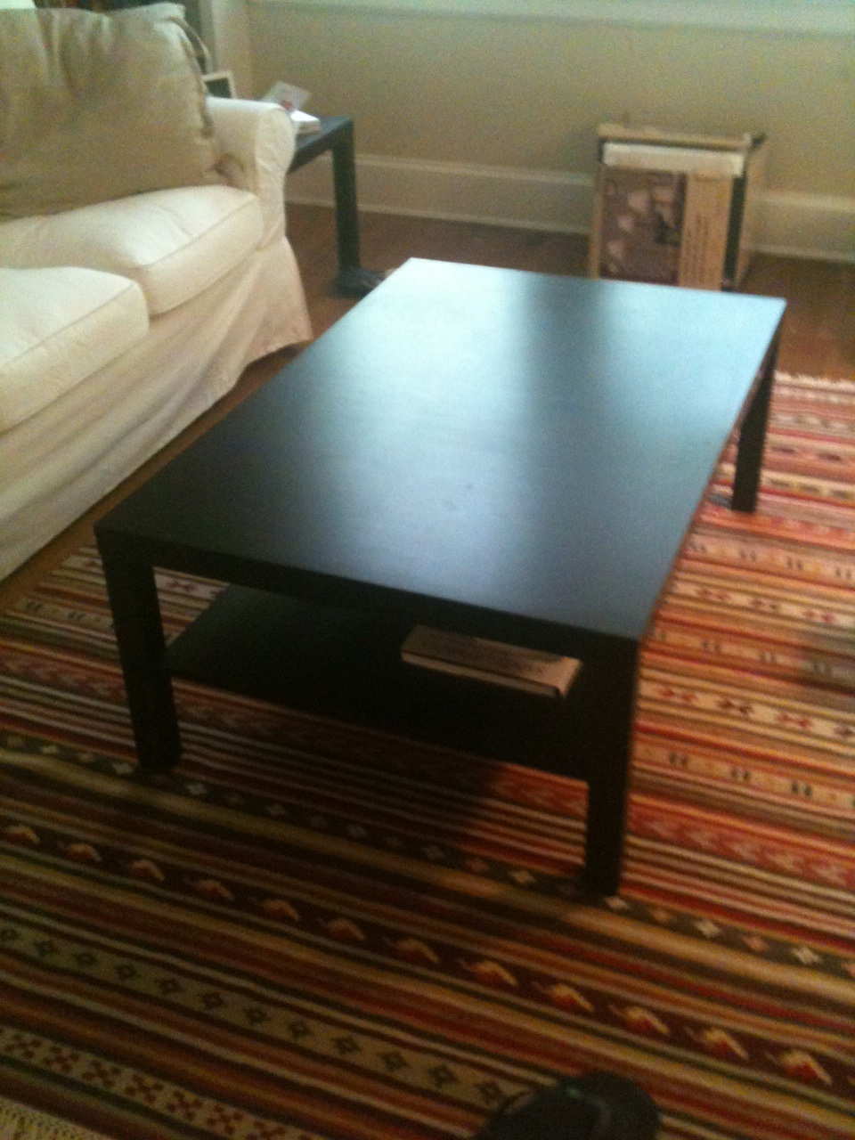 The Feminist Mystique: DIY Rustic Wood Coffee Table/Farm Table