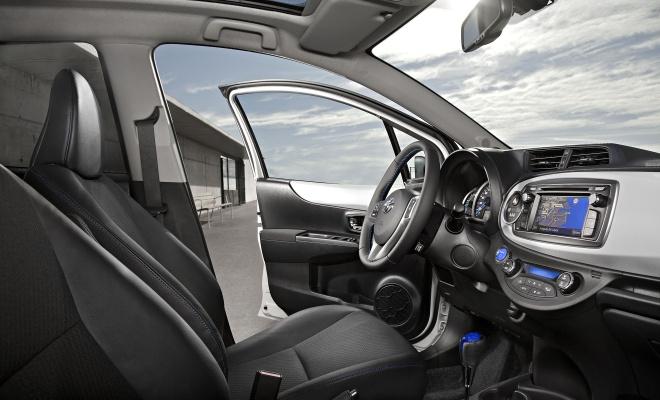 Hybrid Yaris interior