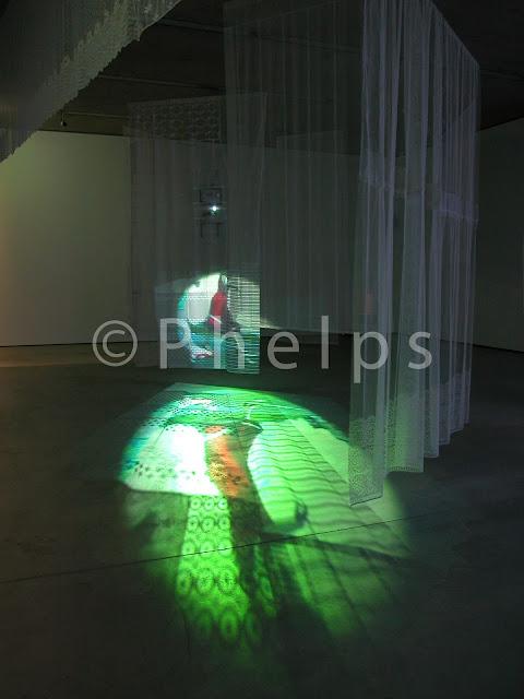 Museum der Moderne Salzburg - Ausstellung Einleuchten - Foto Andrew Phelps