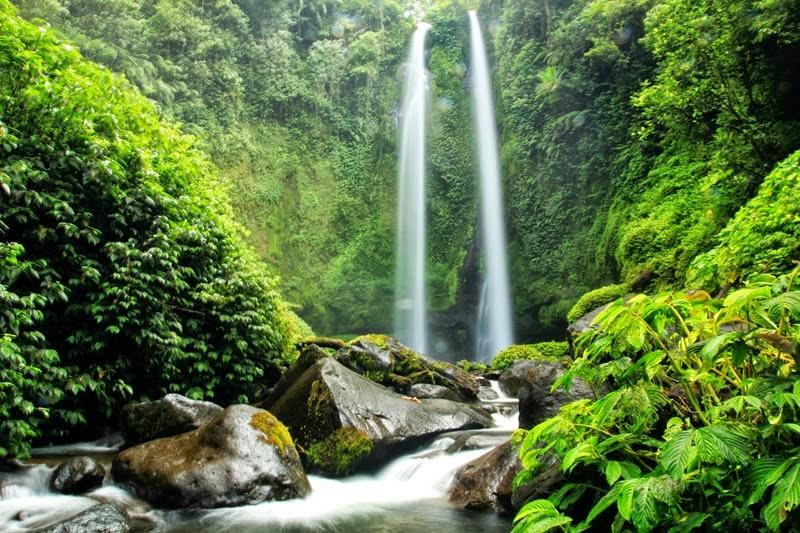 Air Terjun Kembar Pelangi Tiu Teja Lombok Utara