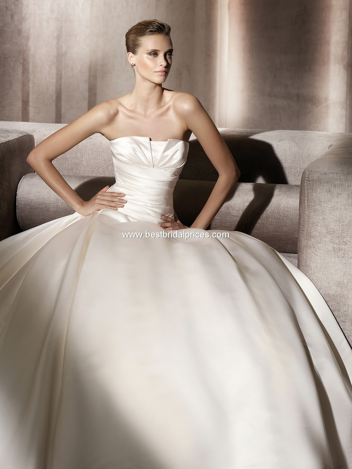 Eshtery Egypt : At Senorita: Pronovias GEORGIA wedding dress