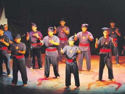 Malaysia, Berita, Gossip, Selebriti, Artis Malaysia, 'Cekak dan Hanafi', tonjol, aksi, tanpa, dialog