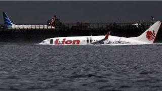 Foto Dan Kronologis Pesawat Lion Air Jatuh di Bali