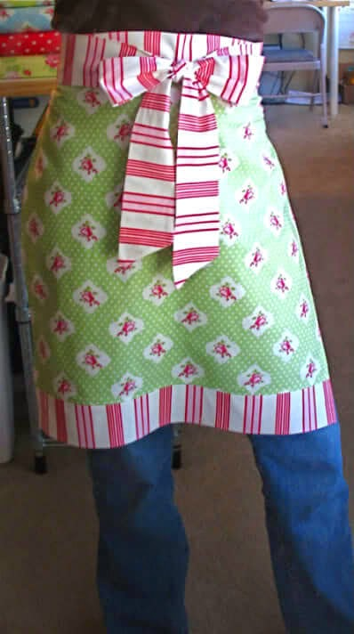 Christmas Apron  in an Hour,