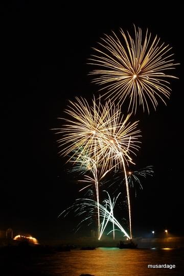Trévignon: feu d'artifice du 14 juillet 2011