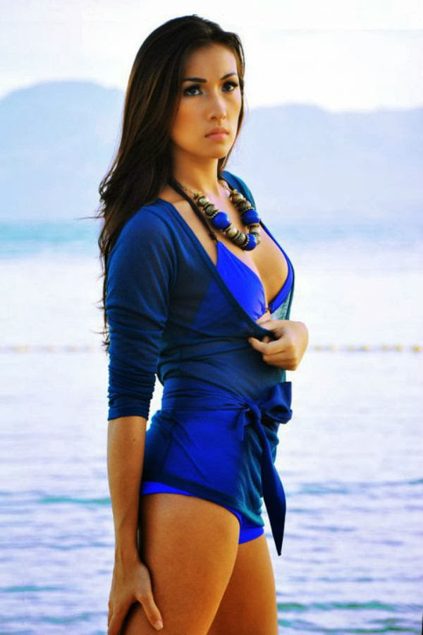 How tall is solenn heusaff - answers.com