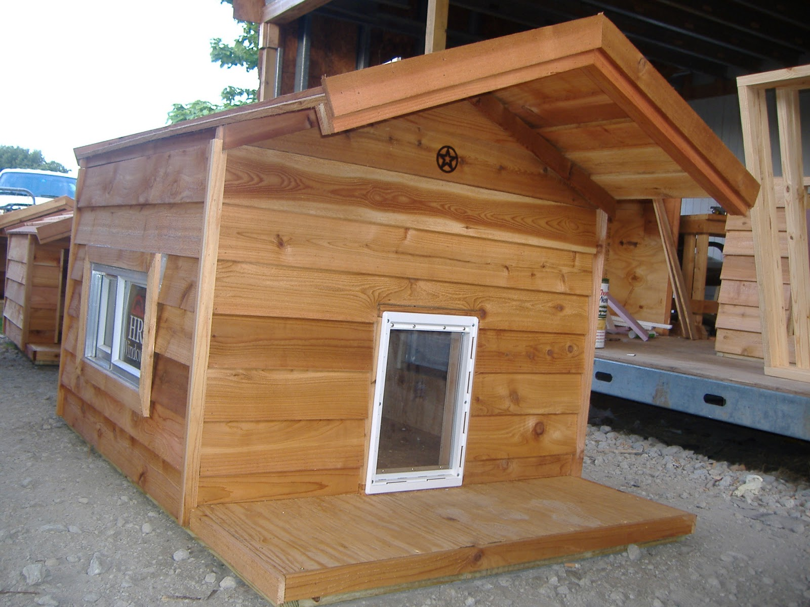 Giant Dog Houses For S...