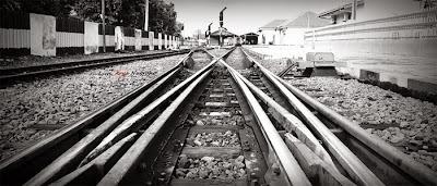 rel-kereta-api-rudiharto