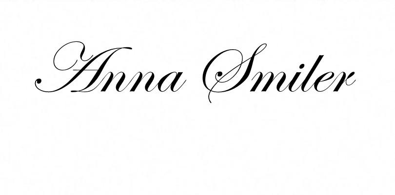 Anna smiler