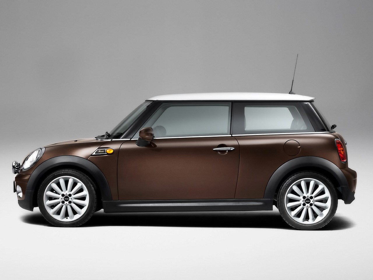 2009 mini cooper d 50 mayfair pictures. Black Bedroom Furniture Sets. Home Design Ideas