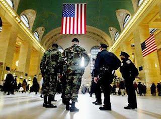 Ley Marcial en USA? - Cientos de camiones blindados del Dpto. de Seguridad Nacional en Movimiento Martial+law