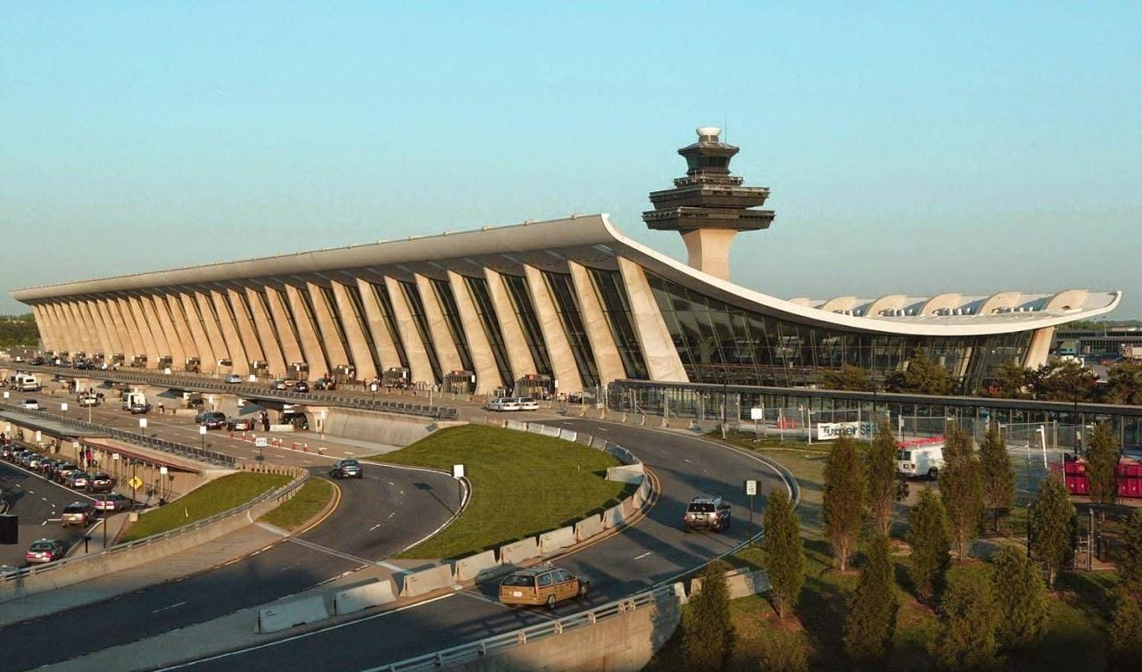 Nhìn từ xa, Dulles International Airport như một cánh chim khổng lồ: tinh tế và hiện đại
