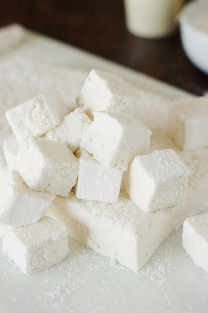 Homemade Marshmallows ~ their ultra-fluffiness is TOTALLY a treat worth the homemade time & effort!   www.thekitchenismyplayground.com