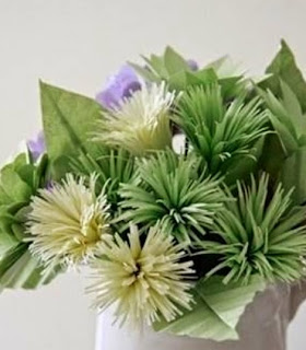 http://translate.googleusercontent.com/translate_c?depth=1&hl=es&prev=search&rurl=translate.google.es&sl=en&u=http://goodhomediy.com/diy-easy-and-beautiful-paper-flowers/&usg=ALkJrhi_-KHG9a4XwrAZwaJMBztsK6mEAg