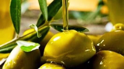 Cara Merawat Wajah Dengan minyak zaitun