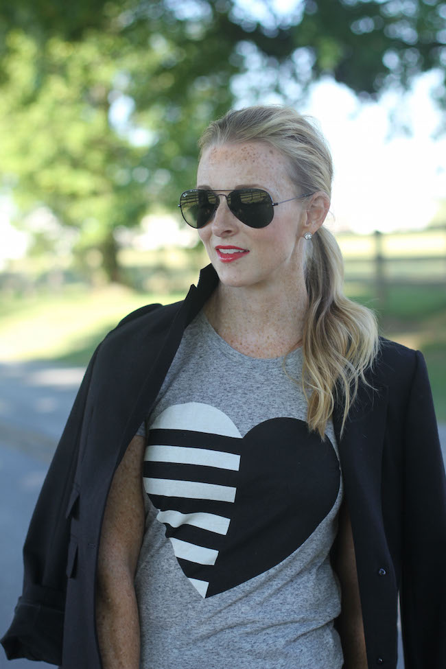 jcrew tee, jcrew blazer, current elliott jeans, ray ban sunglasses