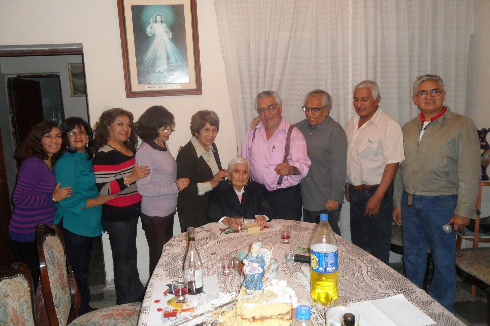 Trujillo: 4 de octubre del 2013- al cumplir 95 años nuestra Marujita