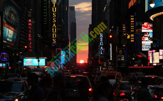 Foto: Fenomena Langka Manhattanhenge Di New York [ www.BlogApaAja.com ]