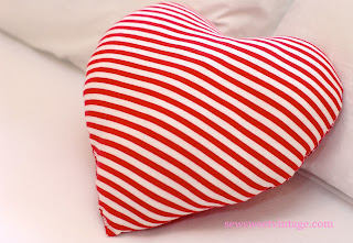 how to make a Valentine heart pillow with recycled fabric