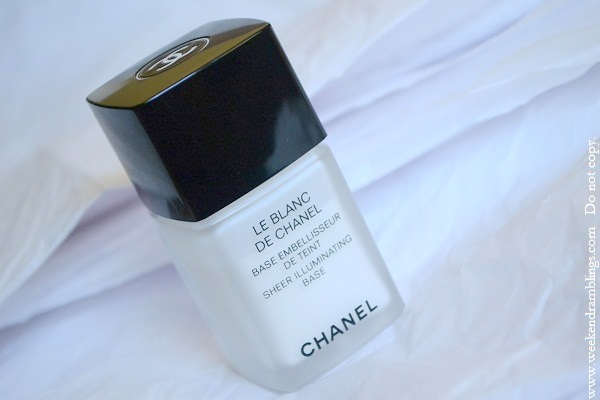 le blanc de chanel base embellisseur sheer illuminating reviews ingredients primer silicone free