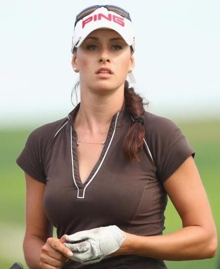 Info - Inilah Maria Verchenova Pemain Golf Profesional Rusia