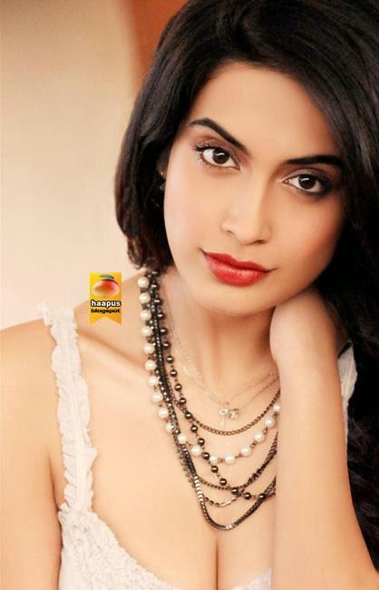 shibani dandekar dazzling pics cute marathi actresses