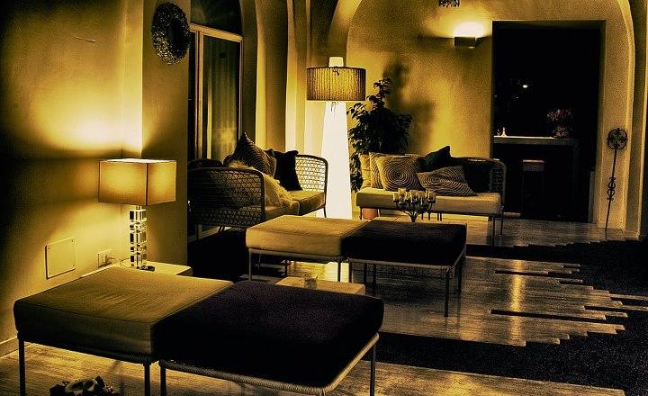 Degart arredamento lounge bar degart arredamento for Arredo bar napoli