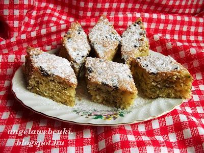 Bodzavirágos sütemény recept, citrom levével és reszelt héjával ízesítve.
